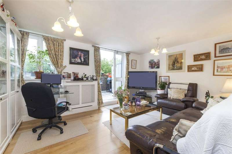 3 Bedrooms Maisonette Flat for sale in Coopers Lane, London