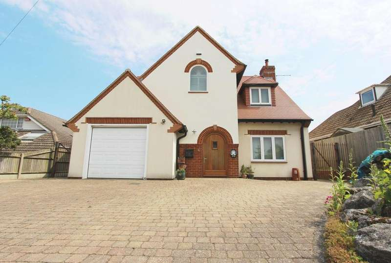 3 Bedrooms Detached House for sale in The Droveway, St Margaret's Bay, CT15