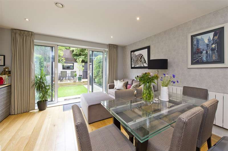 4 Bedrooms Town House for sale in Bromyard Avenue, Acton