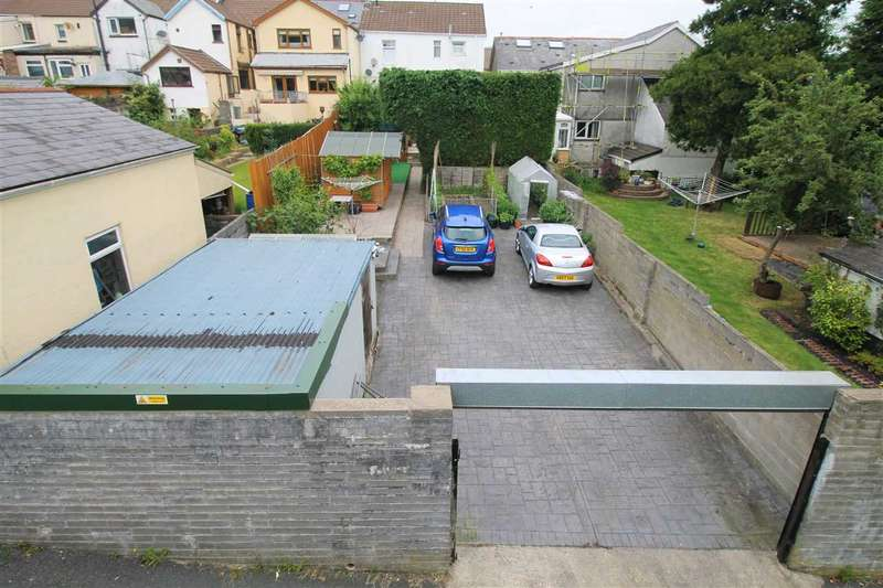 3 Bedrooms Semi Detached House for sale in Court Street, Tonypandy