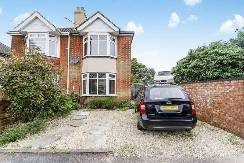 3 Bedrooms Semi Detached House for sale in Deacon Road, Southampton, SO19