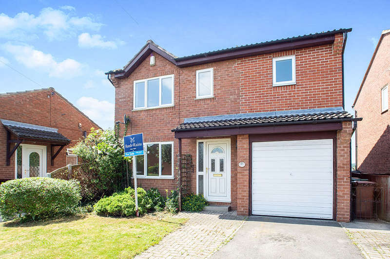 4 Bedrooms Detached House for sale in Rose Farm Close, Normanton, WF6