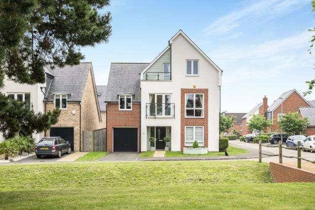 5 Bedrooms Detached House for sale in Epsom, Surrey, England