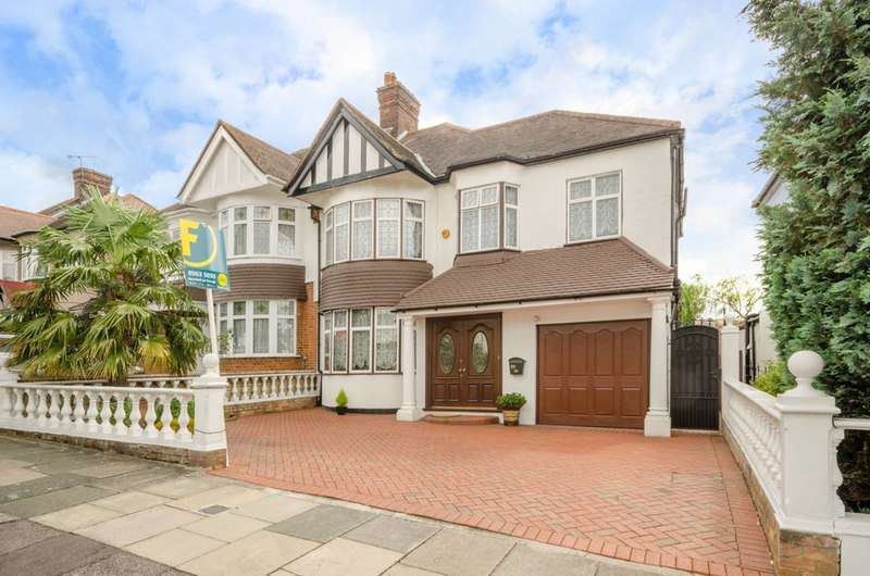 5 Bedrooms Detached House for sale in Townsend Avenue, Southgate, N14