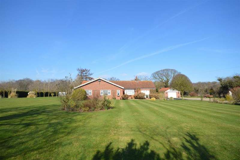 4 Bedrooms House for sale in Mill Common Road, Witton, North Walsham