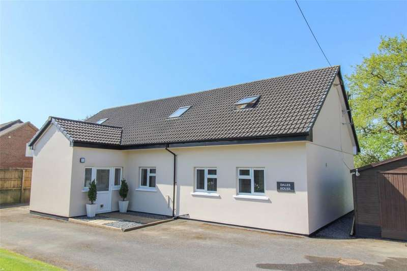 4 Bedrooms Detached House for sale in South Molton Street, Chulmleigh
