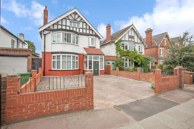 4 Bedrooms Semi Detached House for sale in Beckenham Hill Road SE6