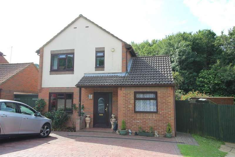 4 Bedrooms Detached House for sale in Salcey Close, St. Leonards-On-Sea