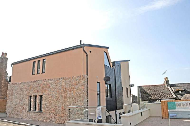 4 Bedrooms End Of Terrace House for sale in Berry Head Road, Brixham