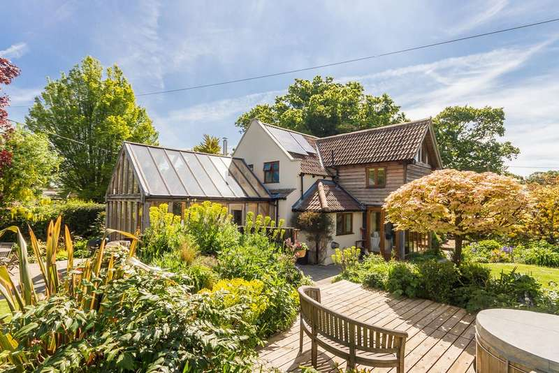 3 Bedrooms Detached House for sale in Burley, New Forest, Hampshire