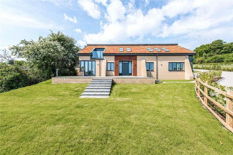 5 Bedrooms End Of Terrace House for sale in The Sedums, Isle Of Wight Lane, Kensworth, Bedfordshire, LU6
