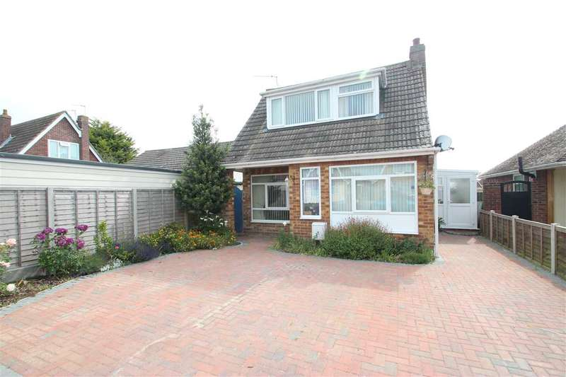 2 Bedrooms Bungalow for sale in Park Square East, Clacton-on-Sea