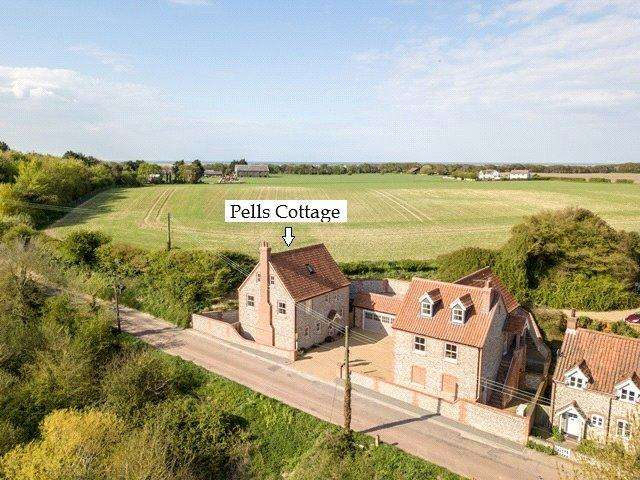 3 Bedrooms Detached House for sale in Wells Road, Stiffkey, Wells-next-the-Sea, Norfolk, NR23
