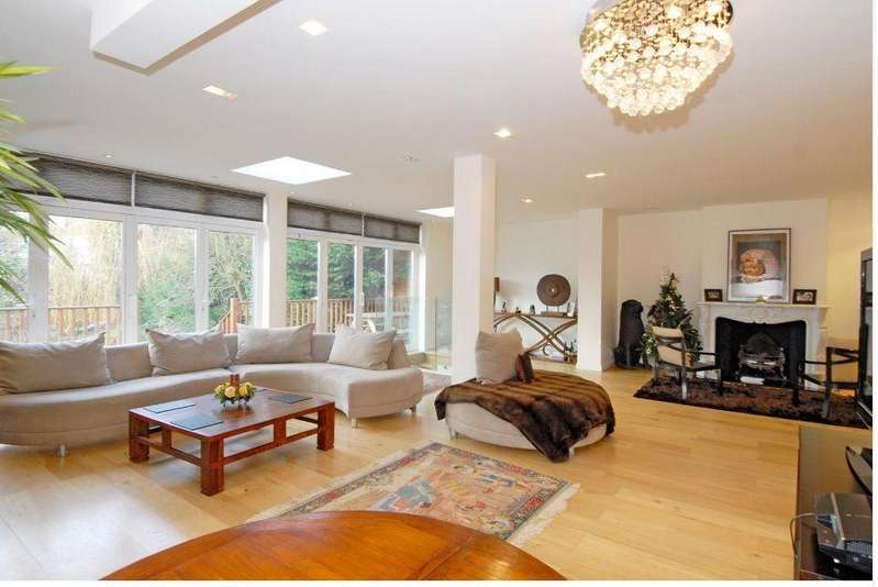 5 Bedrooms Semi Detached House for sale in Deansway, London N2