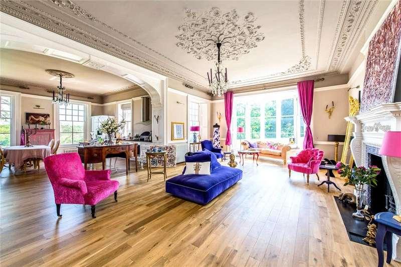 2 Bedrooms Flat for sale in Breakspear House, Breakspear Road North, Harefield, Uxbridge, UB9