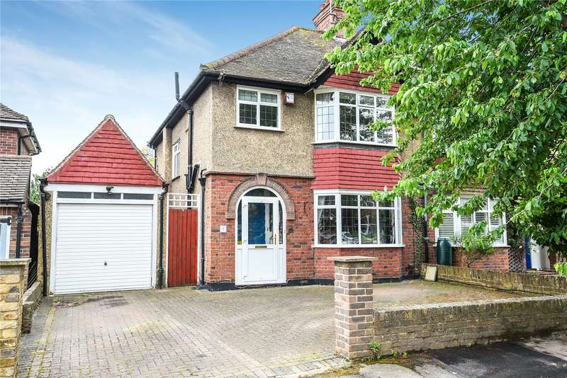 3 Bedrooms Semi Detached House for sale in The Cloisters, Rickmansworth, Hertfordshire, WD3
