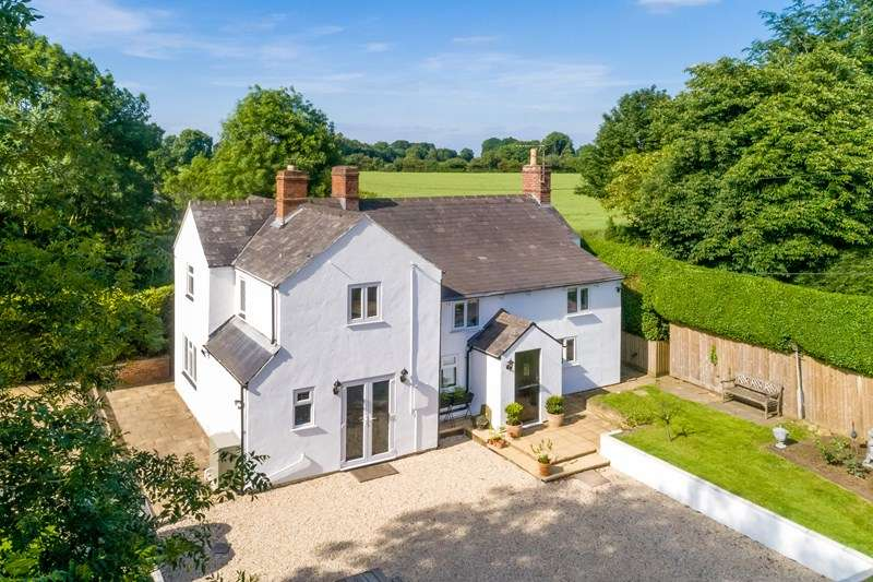 5 Bedrooms Detached House for sale in Wigginton Heath, Banbury