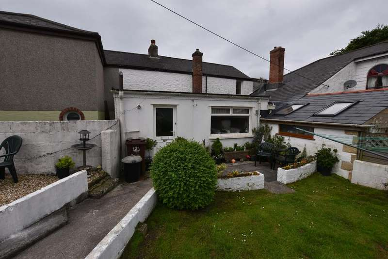2 Bedrooms Terraced House for sale in Dolcoath Road, Camborne TR14