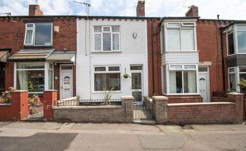 2 Bedrooms Terraced House for sale in Partington Street, Morris Green, Bolton, BL3 3LE