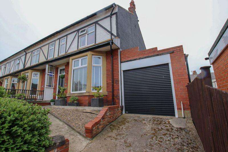 4 Bedrooms Town House for sale in Bath Street, Saltburn-By-The-Sea