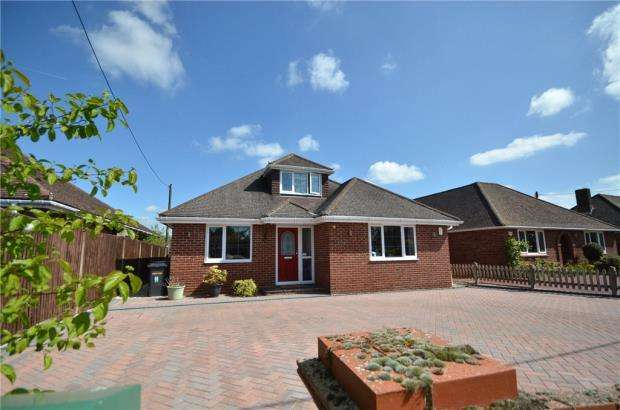 4 Bedrooms Detached Bungalow for sale in Highlands Road, Basingstoke, Hampshire