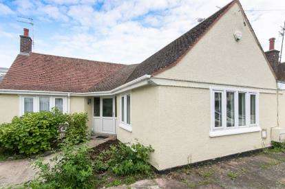 3 Bedrooms Bungalow for sale in Highbury Avenue, Prestatyn, Denbighshire, LL19