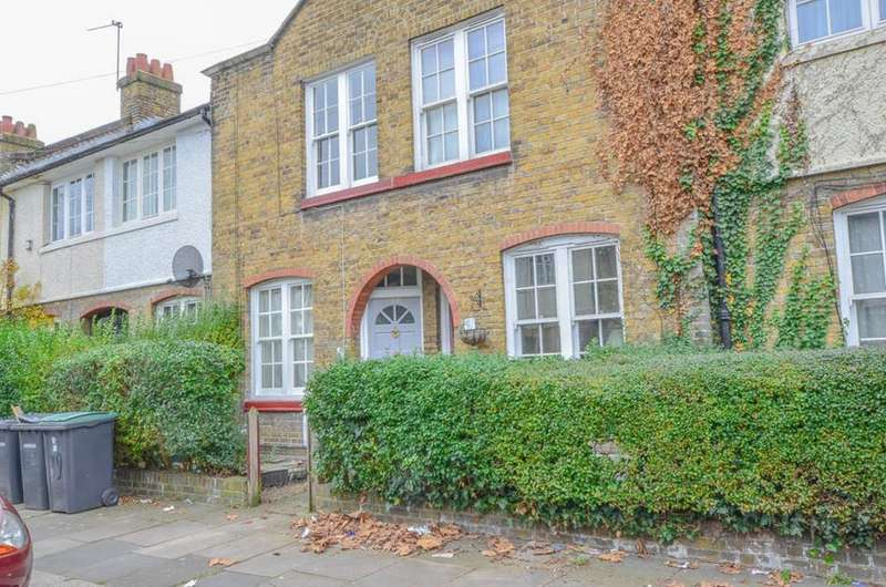2 Bedrooms Terraced House for sale in Chesthunte Road, London, N17