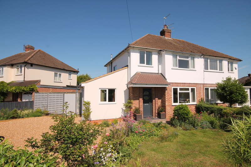 3 Bedrooms Semi Detached House for sale in Wendover Drive, Bedford, MK41