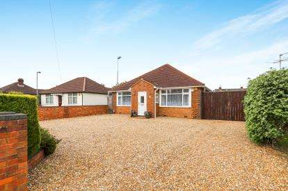 5 Bedrooms Bungalow for sale in Wigmore Lane, Luton, Bedfordshire