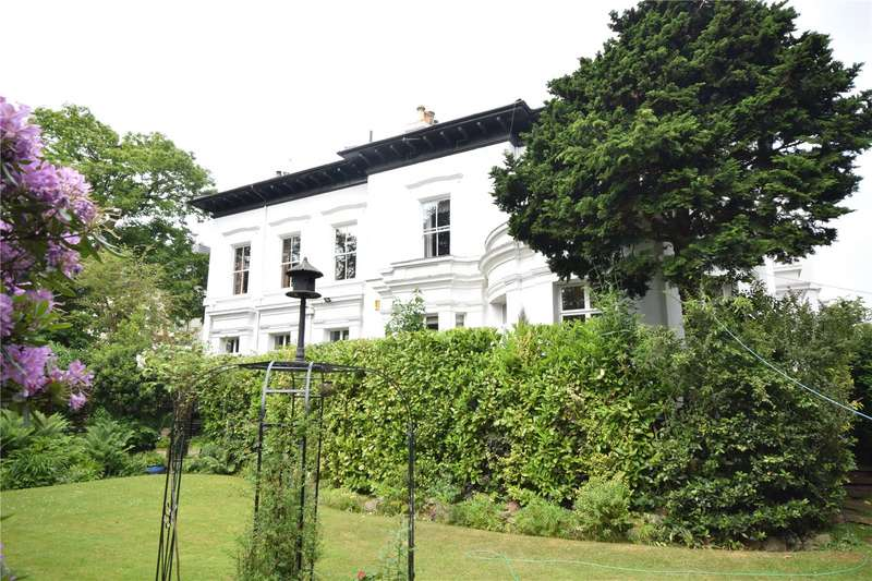 2 Bedrooms Apartment Flat for sale in Fulwood Park, Aigburth, Liverpool, L17