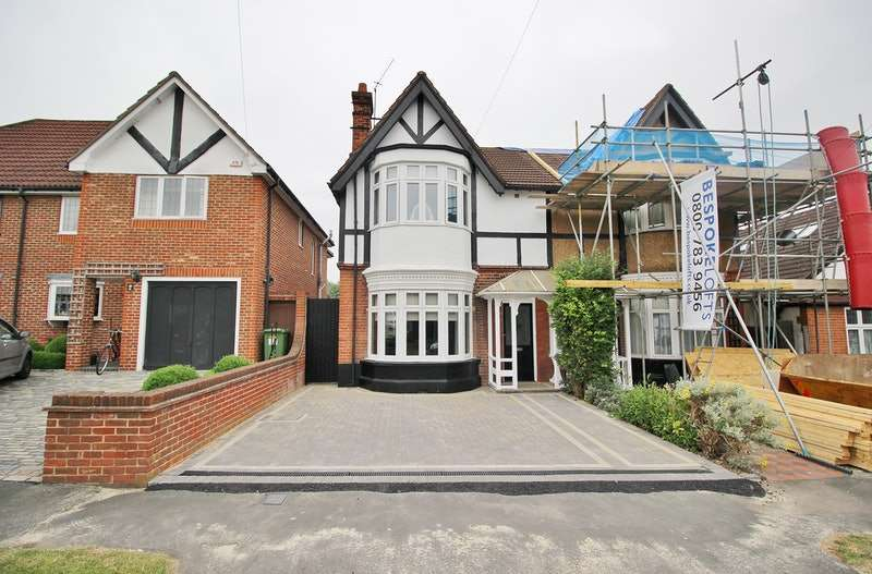4 Bedrooms Semi Detached House for sale in Erroll Road, Romford, Essex, RM1