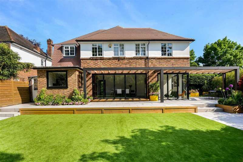 4 Bedrooms Detached House for sale in Brookway, Blackheath