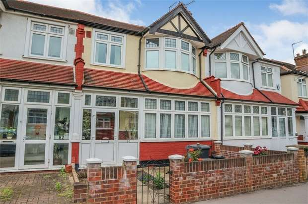 3 Bedrooms Terraced House for sale in Dunbar Avenue, London