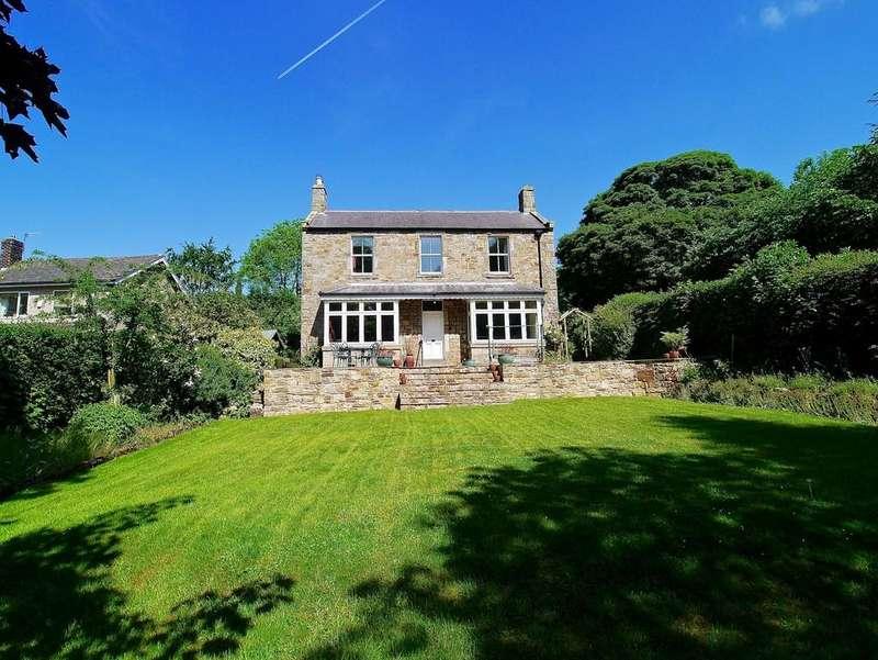 4 Bedrooms Detached House for sale in Oakwood, Hexham