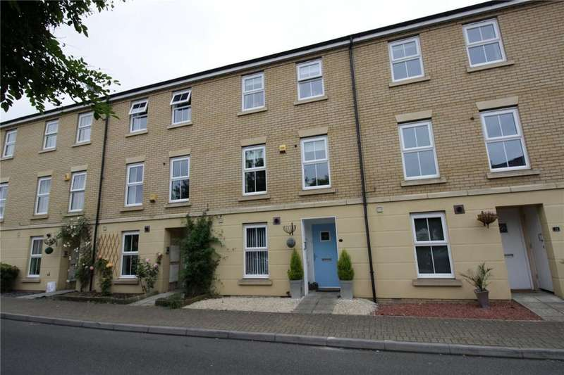 3 Bedrooms Terraced House for sale in The Nave, Laindon, Essex, SS15