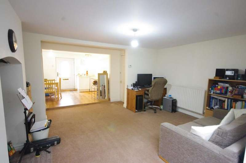 1 Bedroom Ground Flat for sale in Maes Y Groes, Prestatyn