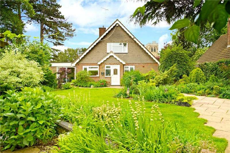 4 Bedrooms Detached House for sale in Roche Gardens, Bletchley, Milton Keynes, Buckinghamshire