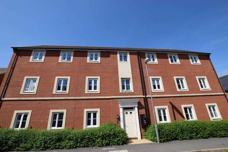 2 Bedrooms Apartment Flat for sale in Prince Rupert Drive, Aylesbury