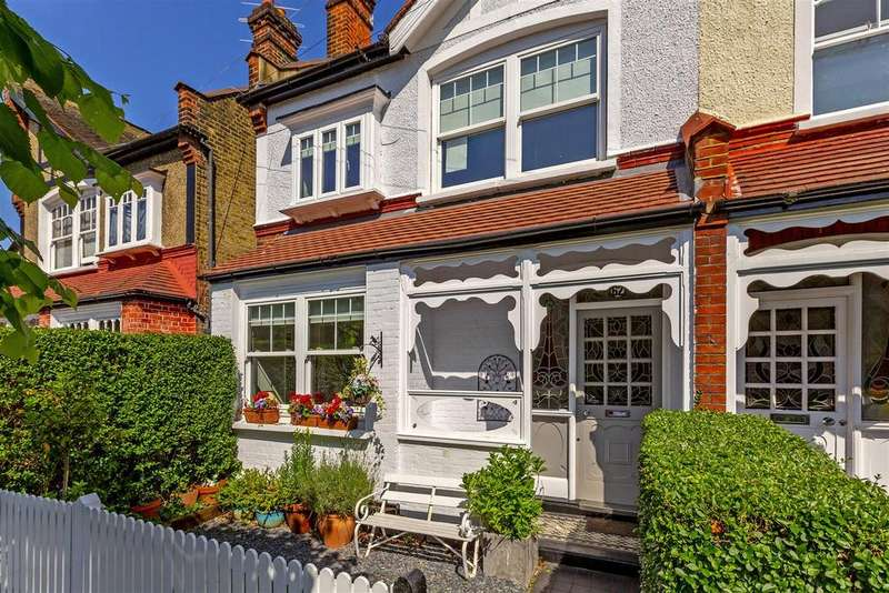 5 Bedrooms Semi Detached House for sale in Stanton Road, London
