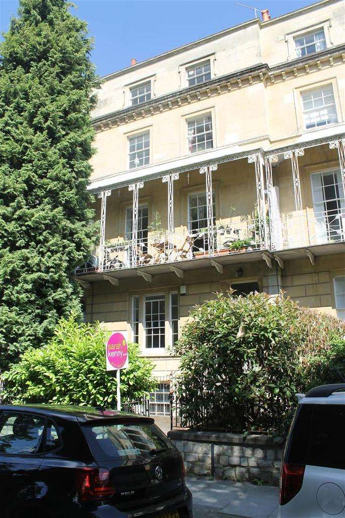 2 Bedrooms Apartment Flat for sale in Oakfield Road, Clifton, Bristol