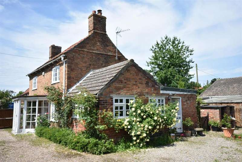 3 Bedrooms Cottage House for sale in High Street, Swinderby, Lincoln
