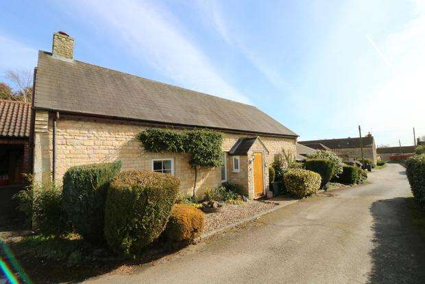 3 Bedrooms Detached House for sale in The Green, Stonesby, Melton Mowbray, LE14