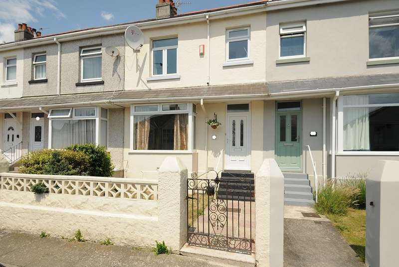 2 Bedrooms Terraced House for sale in North Down Road, Beacon Park PL2