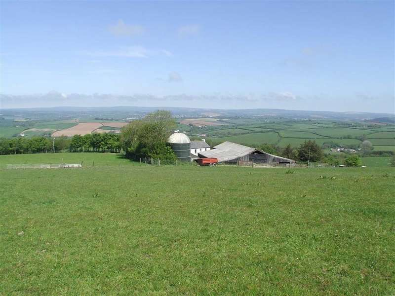 4 Bedrooms Detached House for sale in Kings Nympton, Umberleigh, Devon, EX37