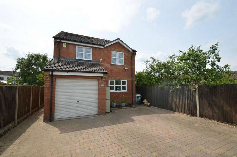 3 Bedrooms Detached House for sale in Maple Drive, SHEFFORD, Bedfordshire