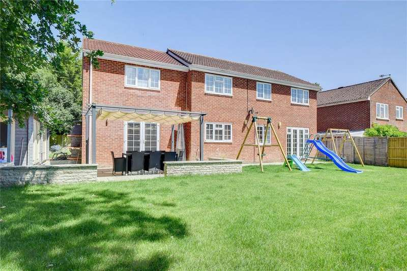 5 Bedrooms Detached House for sale in Larcombe Road, Petersfield