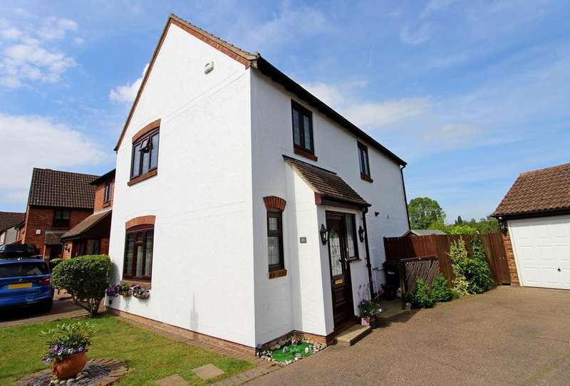 4 Bedrooms Semi Detached House for sale in Watermill Road, Feering, Colchester, CO5