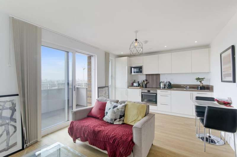Studio Flat for sale in No 1 The Avenue, Ivy Point, Bow E3