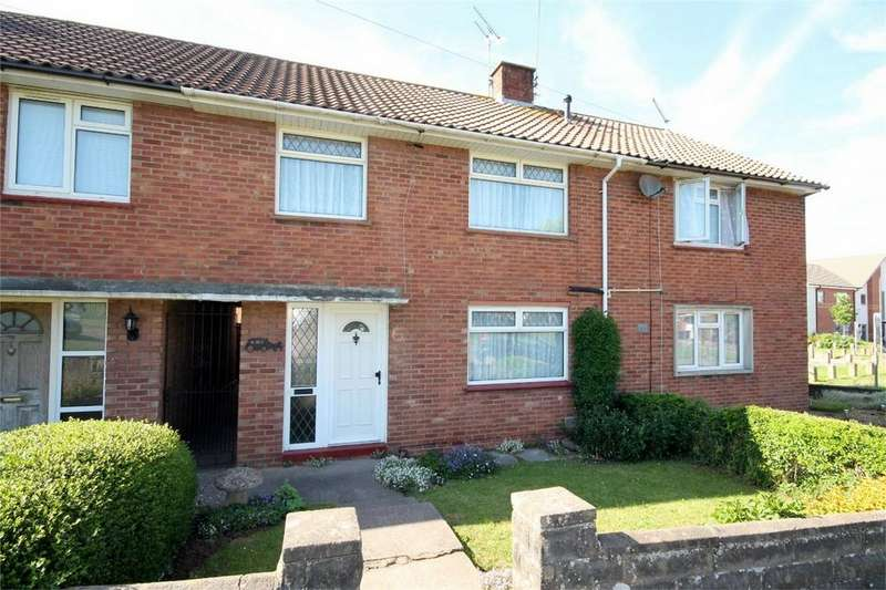 3 Bedrooms Terraced House for sale in Beaufort Road, Downend, Bristol