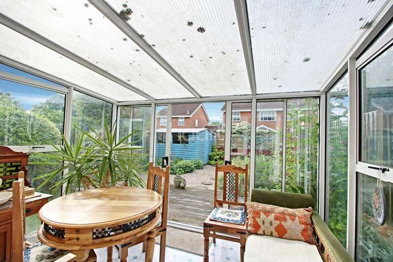 2 Bedrooms Maisonette Flat for sale in Campania Grove, Barton Hills